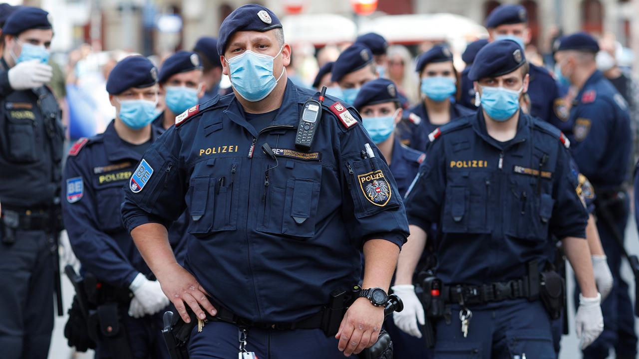 Сюрприз от Санты: будет ли премия ко Дню полиции в 2020 году?